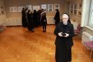 Biskup Ivas i časne sestre posjetili izložbu